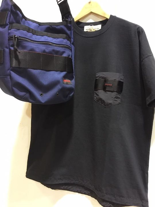 真美ヶ丘店 本日は 9日から限定販売中のレミレリーフのブリーフィング別注ポケットTのご紹介です。